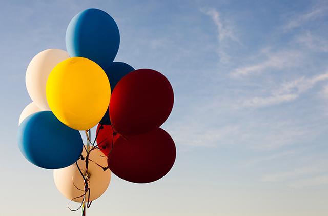 Tros ballonnen in de lucht